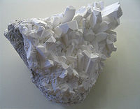 200px-borax_crystals